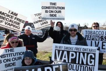 CANADA : Une manifestation contre la nouvelle législation sur l'e-cigarette.